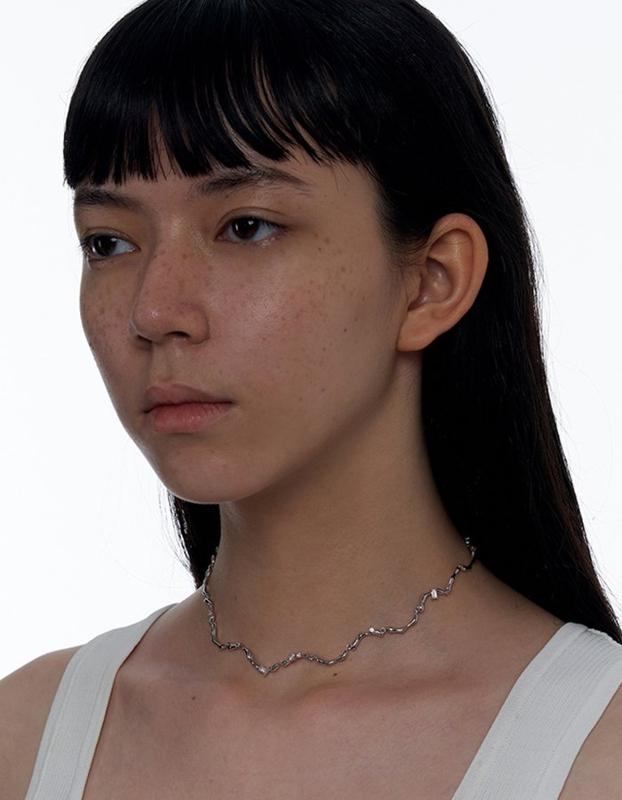Clavicle Wave Necklace 03