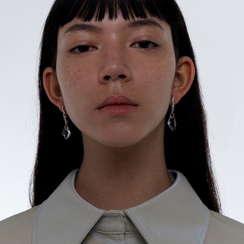 Kvk Dashing Crystal Earrings V6