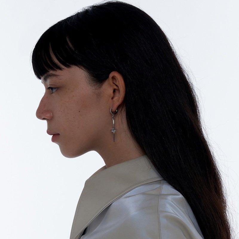 Kvk Diamond Temperament Cross Earrings V6