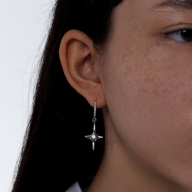 Kvk Diamond Temperament Cross Earrings V7