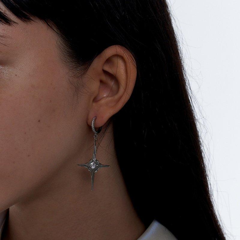 Kvk Diamond Temperament Cross Earrings V8