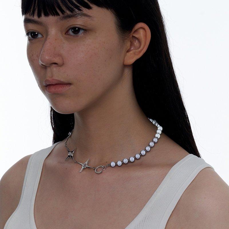 Kvk Stitch Orb Clavicle Necklace V2