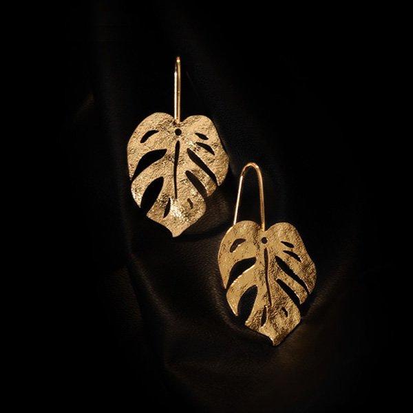 K20 Catwalk Frosted Leaf Earrings