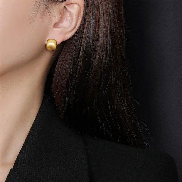 K20 Light Luxury Cold Wind Earrings