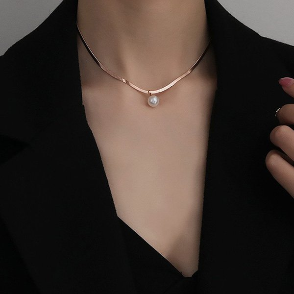 K20 Snake Bone Pearl Necklace