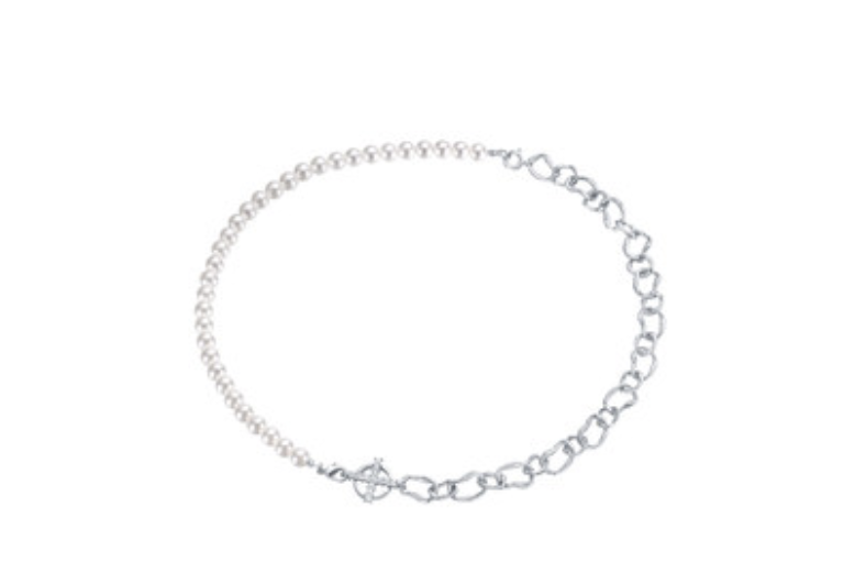 Arsis Pearl Stitch Collarbone Necklace