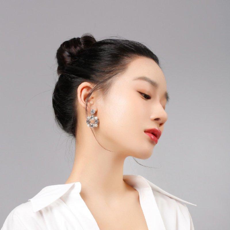 Abyb Gems And Pearl Earrings 3