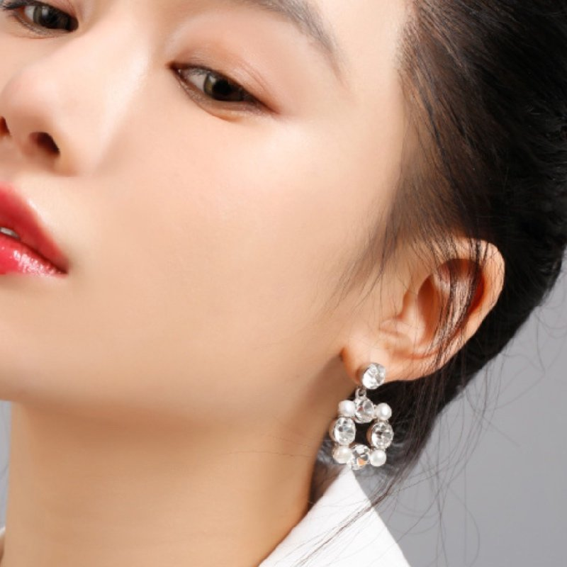 Abyb Gems And Pearl Earrings 5