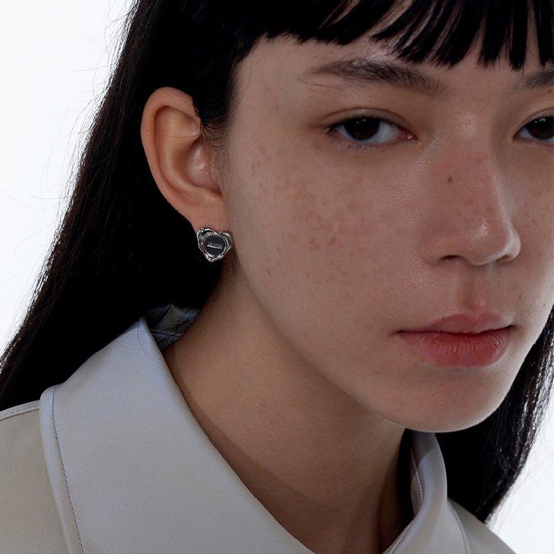 Kvk Simple Love Earrings 4